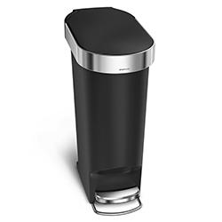 Tacho Negro de 40 Litros con Pedal Simplehuman